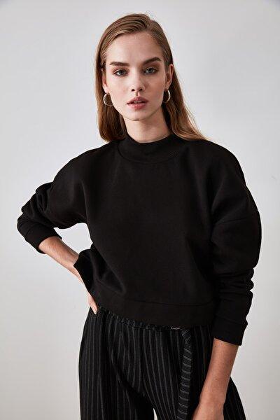 Siyah Dik Yaka Crop Örme Sweatshirt TWOAW21SW0839