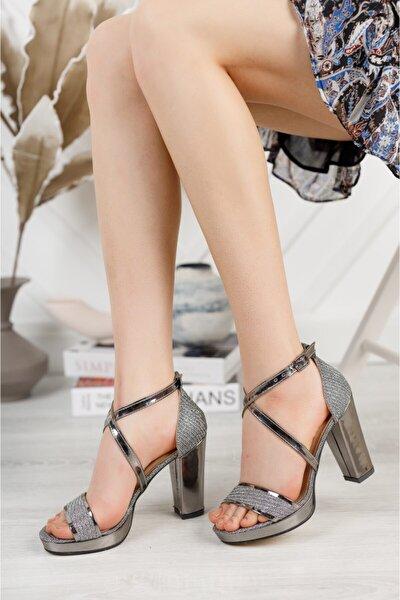 Işıltılı Platin Platform Çapraz Baret Topuklu Ayakkabı