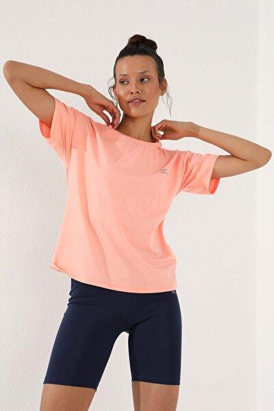 Mercan Kadın Arkası Uzun Kısa Kol Standart Kalıp O Yaka T-shirt - 97152