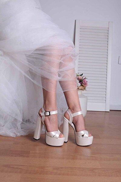 Kadın Beyaz 16cm Kalın Topuk Gelin Ayakkabı
