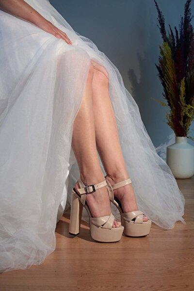 7-9600 16cm Kalın Topuk Gelin Ayakkabı