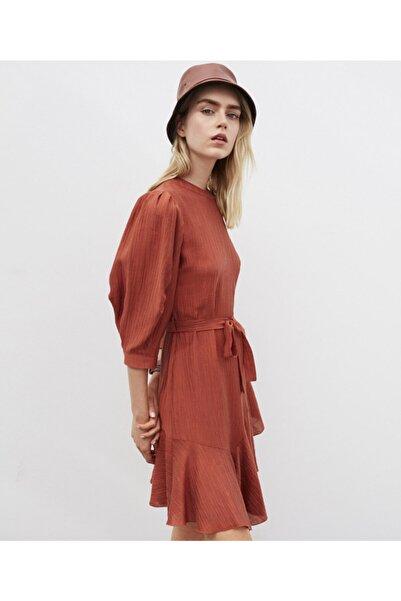 Fırfır Şeritli Kuşaklı Elbise