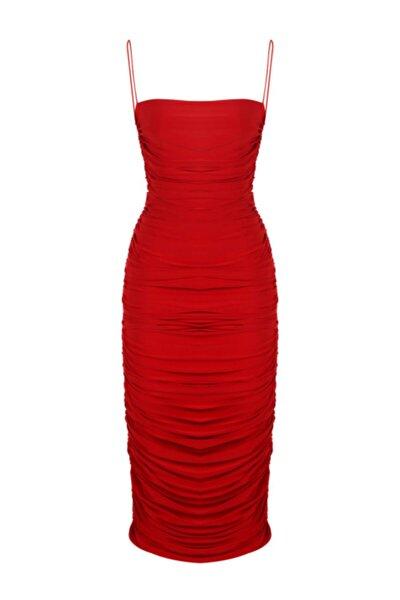 Kırmızı Ince Askılı Drapeli Midi Elbise