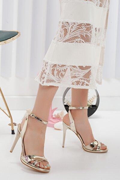 Kadın Altın Platform İnce Topuklu Ayakkabı