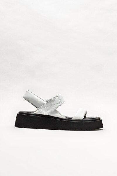 Beyaz Deri Kadın Spor Sandalet