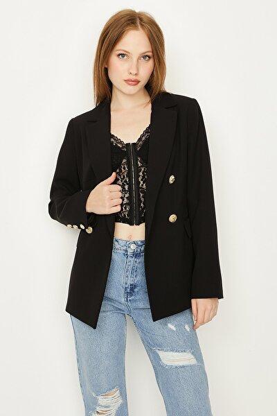 Kadın Siyah Düğmeli Blazer Ceket
