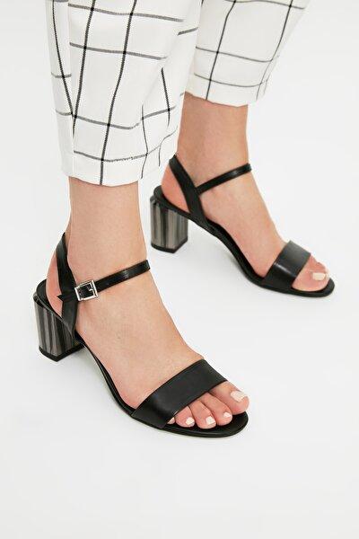 Siyah Kadın Klasik Topuklu Ayakkabı TAKSS21TO0100