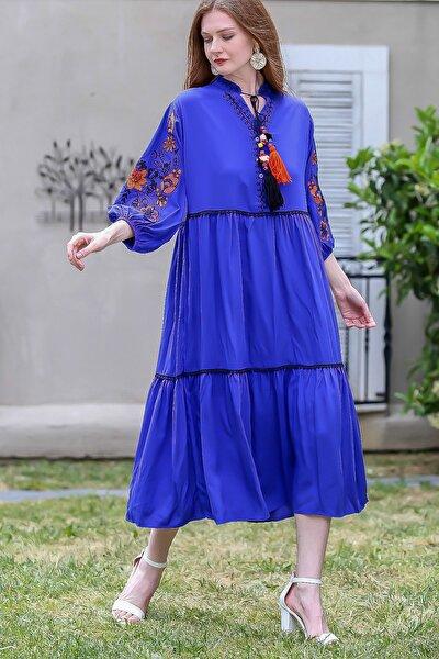 Kadın Saks Mavi Kolları Gül Nakışlı Püsküllü Bağcıklı Kat Kat Dokuma Salaş Elbise C10160000EL94895