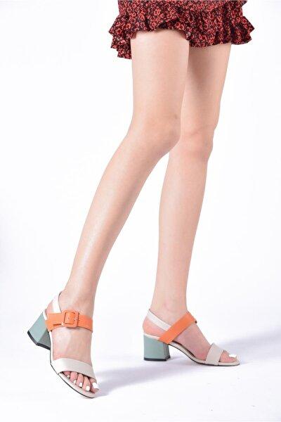 Kadın Renkli Toka Detaylı Sandalet