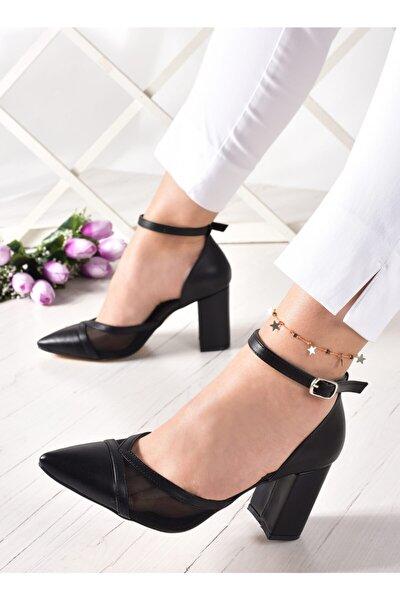 Siyah Parçalı Fileli Kalın Topuklu Kadın Ayakkabısı