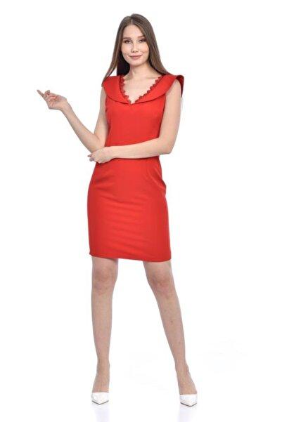 V Yaka Dantel Detaylı Kırmızı Abiye Elbise