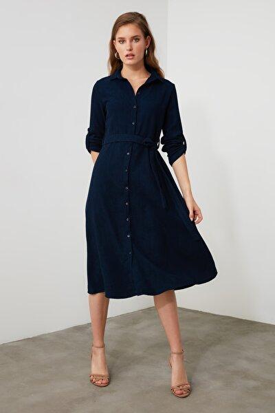 Lacivert Kuşaklı Kadife Elbise TWOAW20EL1926