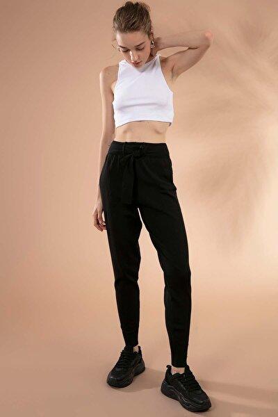 Kadın Siyah Yüksek Bel Cep Detaylı Kemerli Triko Pantolon Y19W144-19202