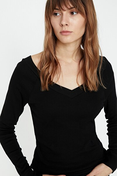 Kadın Siyah T-Shirt 9KTK12608SK