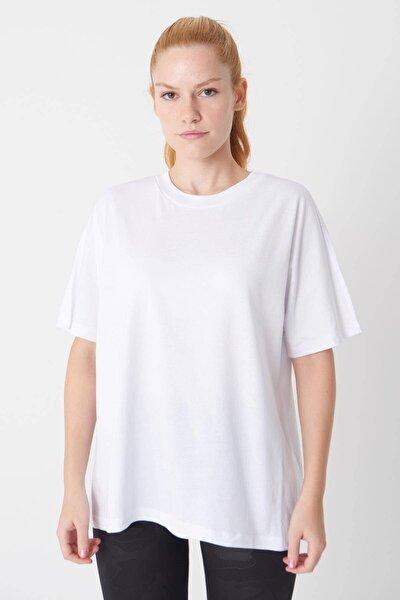 Kadın Beyaz Oversize Basic Tişört