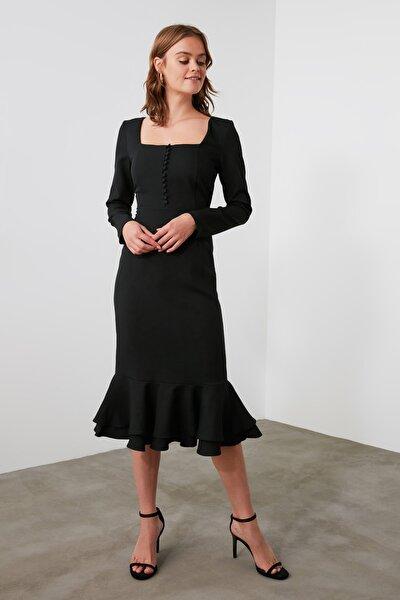 Siyah Volanlı  Düğme Detaylı Elbise TWOAW21EL1810