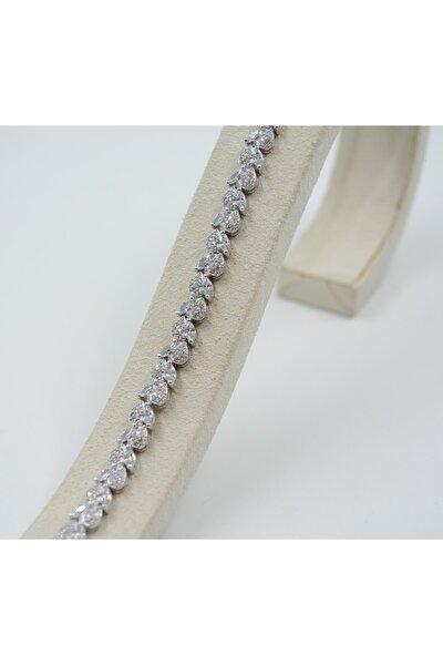 Kadın Beyaz Zirkon Taşlı Kalp Desenli 925 Ayar Gümüş Bileklik