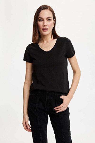 Kadın Siyah V Yakalı Kısa Kollu T-Shirt