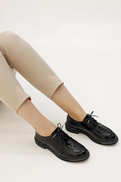 Kadın Siyah Rugan Laves Oxford Ayakkabı