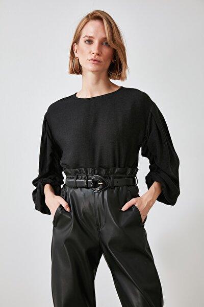 Siyah Kolları Büzgülü Bluz TWOAW21BZ0713