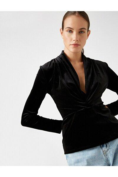 Kadın Siyah V Yaka Kadife Büzgü Detayli Bluz