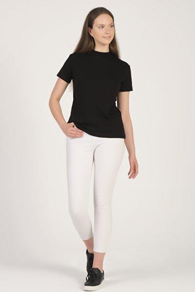 Kadın Siyah Dik Yaka Basic T-shirt