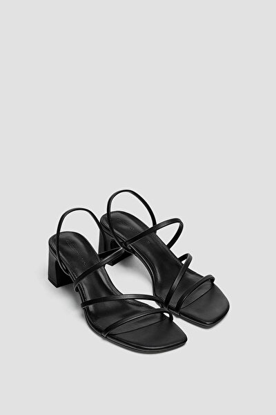 Bantlı Yüksek Topuklu Sandalet