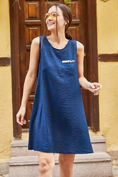 Kadın Lacivert Cep Detaylı Askılı Elbise ARM-21K001250