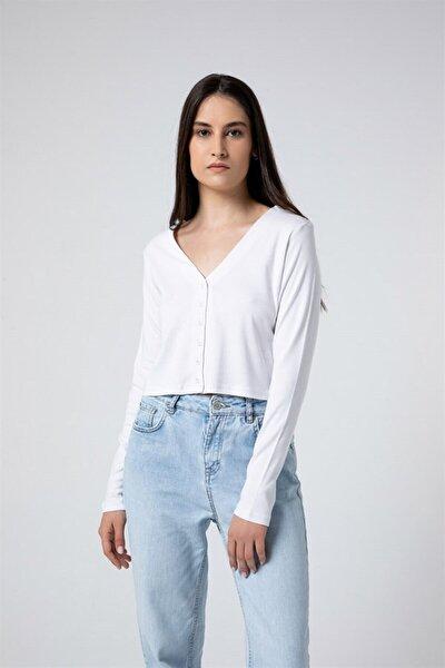 Kadın Beyaz Düğmeli Uzun Kollu Crop T-shirt