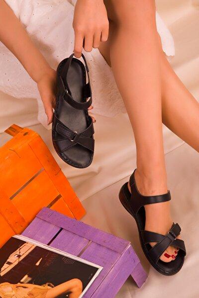 Siyah Kadın Sandalet 15101