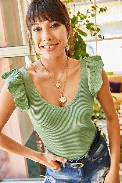 Kadın Yeşil Giyim Omzu Fırfır Detaylı V Yaka Triko Bluz