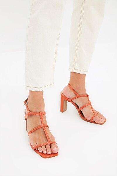 Kiremit Bantlı Kadın Klasik Topuklu Ayakkabı TAKSS21TO0107