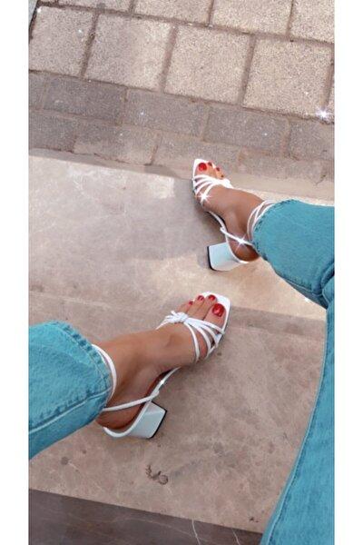 Kadın Beyaz Bağlamalı Topuklu Ayakkabı