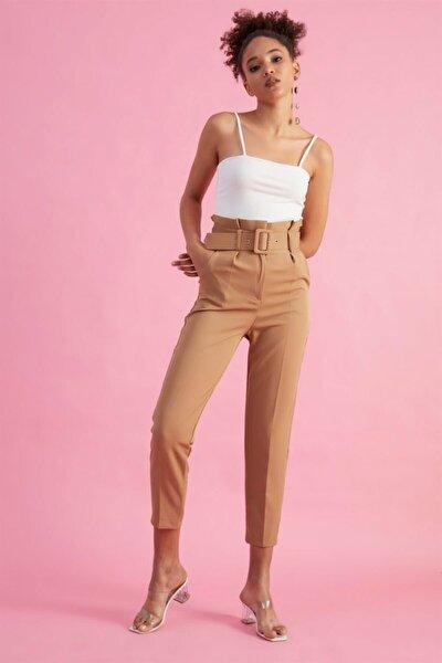 Kadın Camel Kemerli Yüksek Bel Kumaş Pantolon