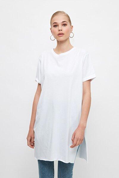 Beyaz Basic Kısa kollu Yırtmaçlı Süprem Tesettür T-Shirt TCTSS21TN0056
