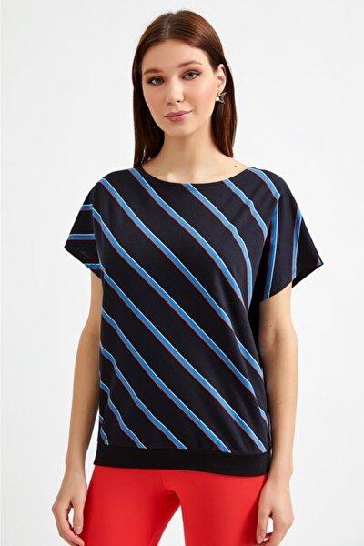 Kadın Siyah Önü Çizgili Düşük Kol Bluz 021-1041