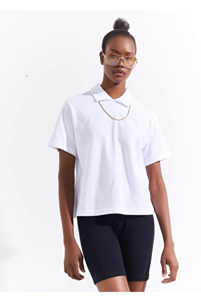 Kadın Beyaz Polo Yaka Ense Fermuarlı Basic T-shirt