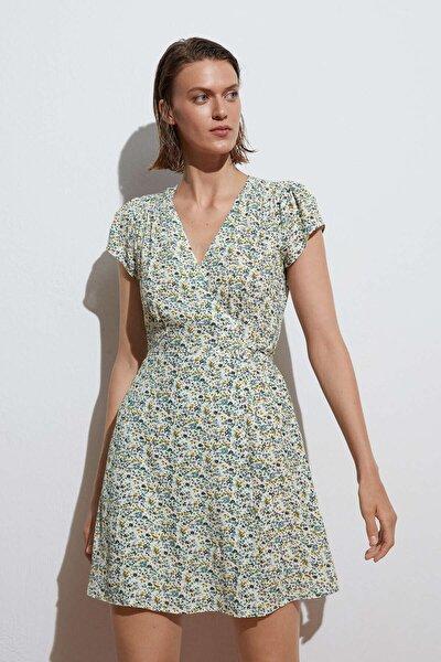 Minik Çiçekli Kısa Elbise