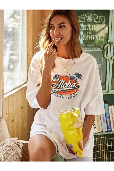 Beyaz Oversize Aloha Baskılı Kadın T-shirt