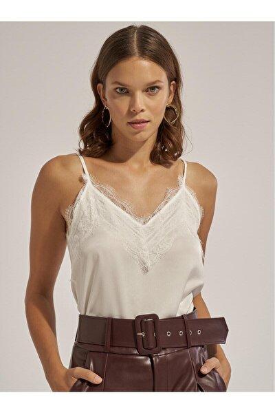 Kadın Saten Görünümlü Askısı Ayarlanabilir Dantel Detaylı Bluz 2151-thl