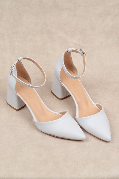 Kadın Beyaz Mat  Sivri Kalın Topuklu Ayakkabı  5cm