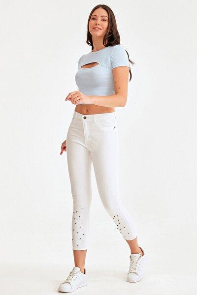 Paçası İşlemeli Inci Detaylı Kot Pantolon