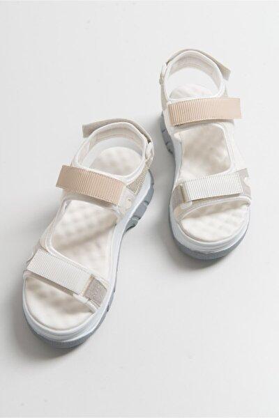 Kadın Beyaz Rugan Sandalet