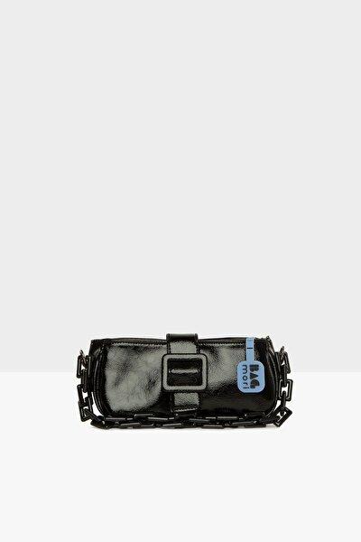 Siyah Kadın Kemerli Zincirli Yatay Baget Çanta M000006069