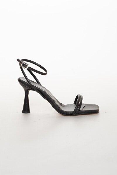 Kadın Siyah Yazlık Topuklu Ayakkabı