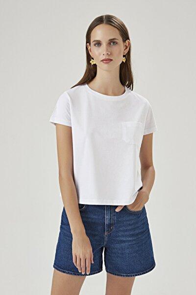 Kadın Beyaz Kısa Kollu Cepli T-shirt