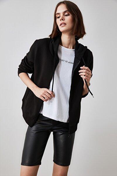 Siyah Fermuarlı Kapüşonlu Basic Örme Sweatshirt TWOAW21SW0836