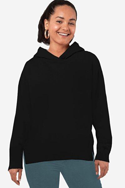 Kadın Siyah Düz Baskısız Arkası Uzun Yanları Yırtmaçlı Kapşonlu Sweatshirt