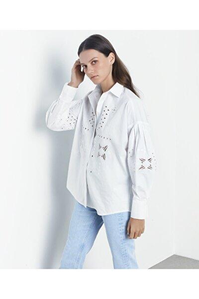 Kadın Beyaz İş Detaylı Gömlek