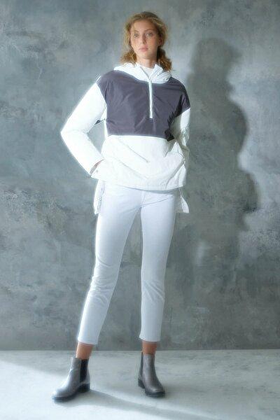 Kadın Kırık Beyaz Kapüşonlu Mikrofiber Mont 0KKMT5305X